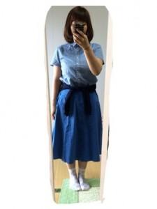 デニム×青スカート