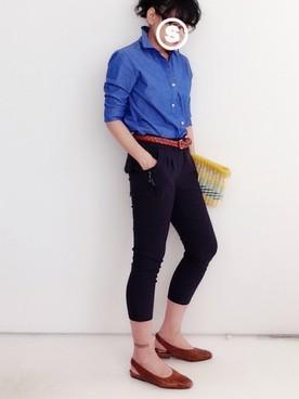 青シャツのコーディネート