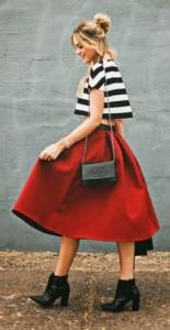 ボリューム×赤スカート