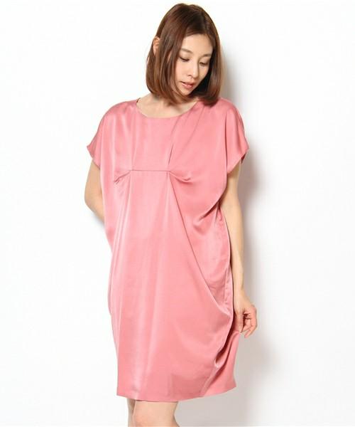 サックドレスのコーデ